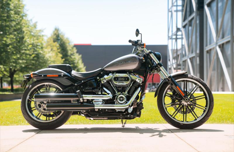 Harley_Davidson_Breakout_2021